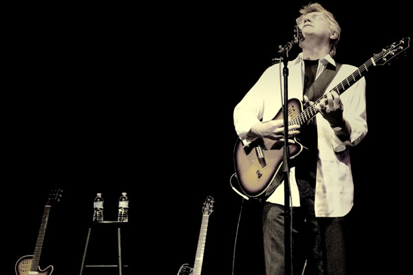 An Intimate Night with Rik Emmett