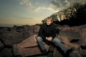 Tom Cochrane to be inducted to the Canadian Music Industry Hall of Fame