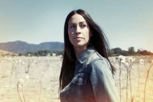 ALANIS MORISSETTE TO BE INDUCTED INTO THE CANADIAN MUSIC HALL OF FAME