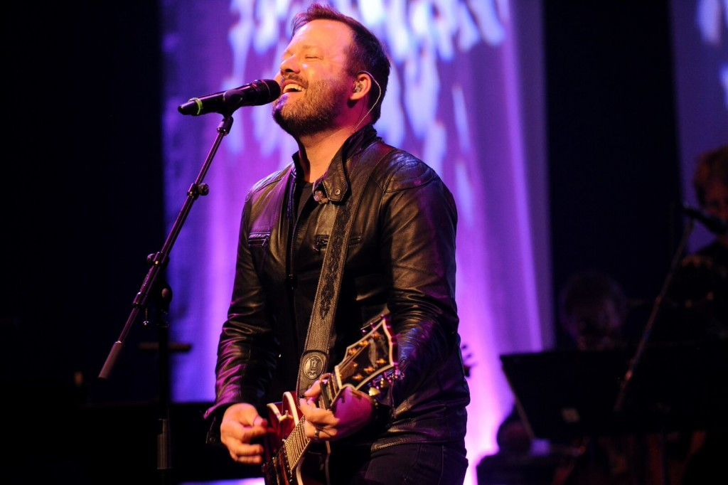 AN ELECTRIFYING NIGHT OF COUNTRY MUSIC! WINNERS OF THE 2015 CMAO AWARDS