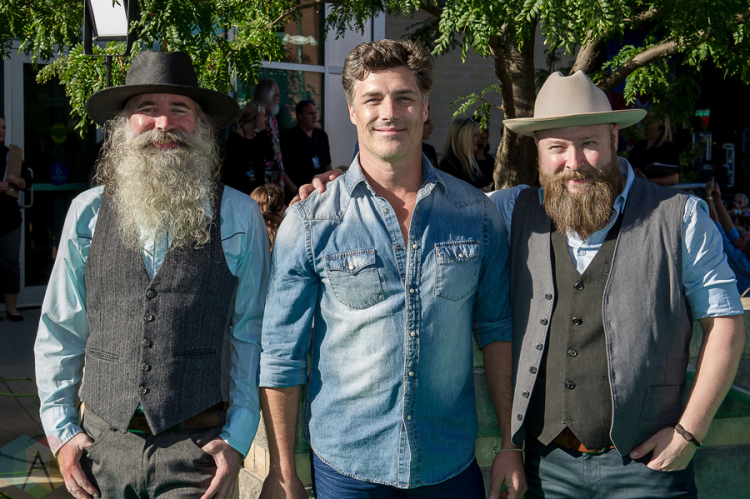 THE WASHBOARD UNION ENDS THE YEAR IN THE TOP TEN OF COUNTRY MUSIC AIRPLAY