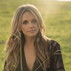 Carly Pearce – Breaking All The Rules