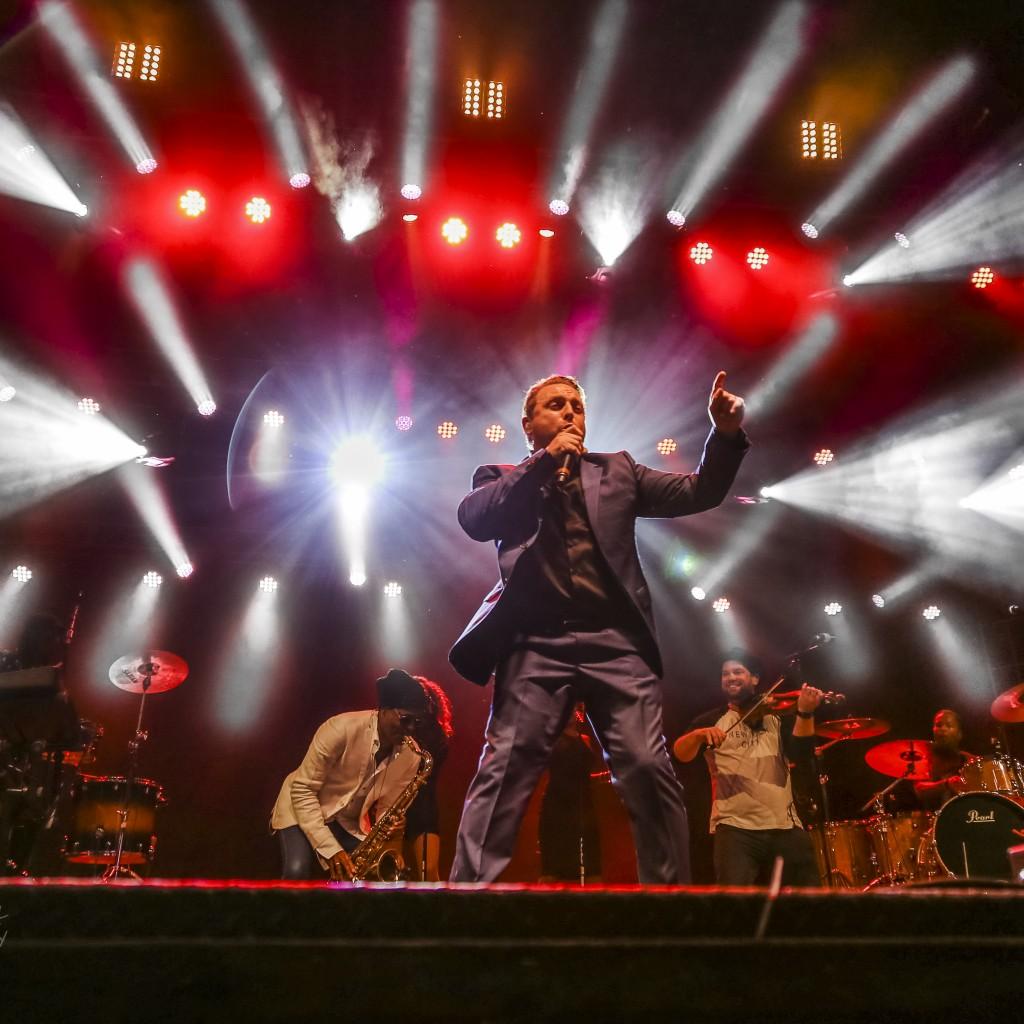 Johnny Reid: The Consummate Entertainer