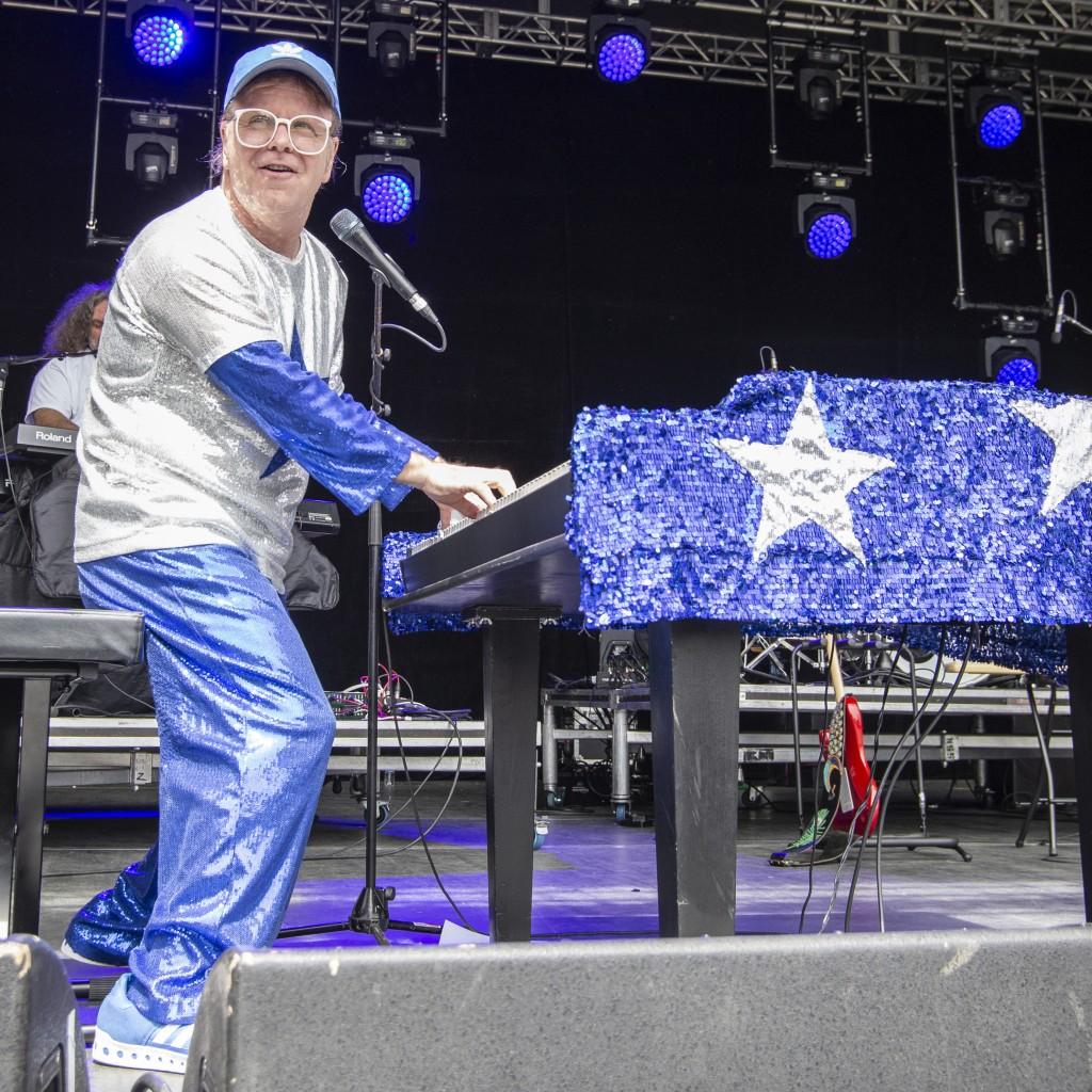 Elton Rohn Tribute Performance Has  Peterborough Fans Dancing In The Aisles