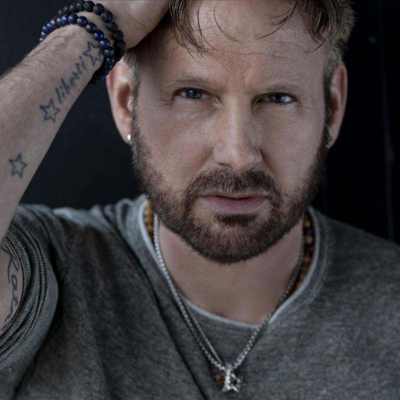 Corey's Hart-felt Juno Tribute