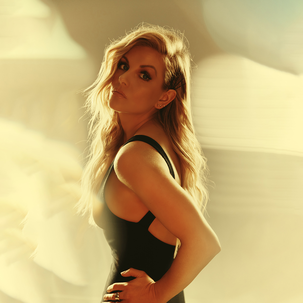 Lindsay Ell - Heart Theory - Photo by Jeremy Cowart