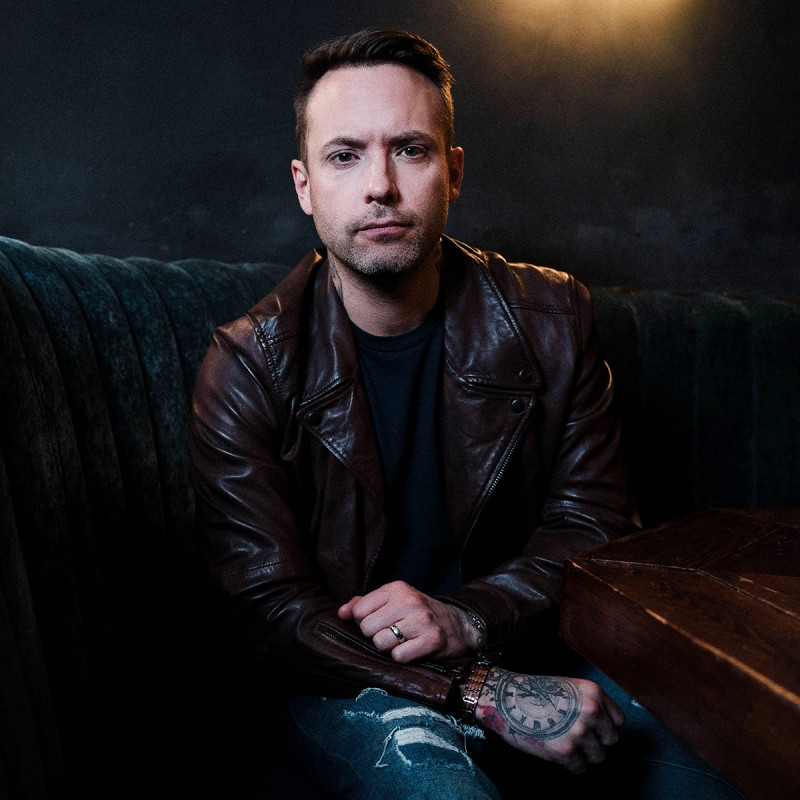 Dallas Smith Signs Global Record Deal With Big Loud Records